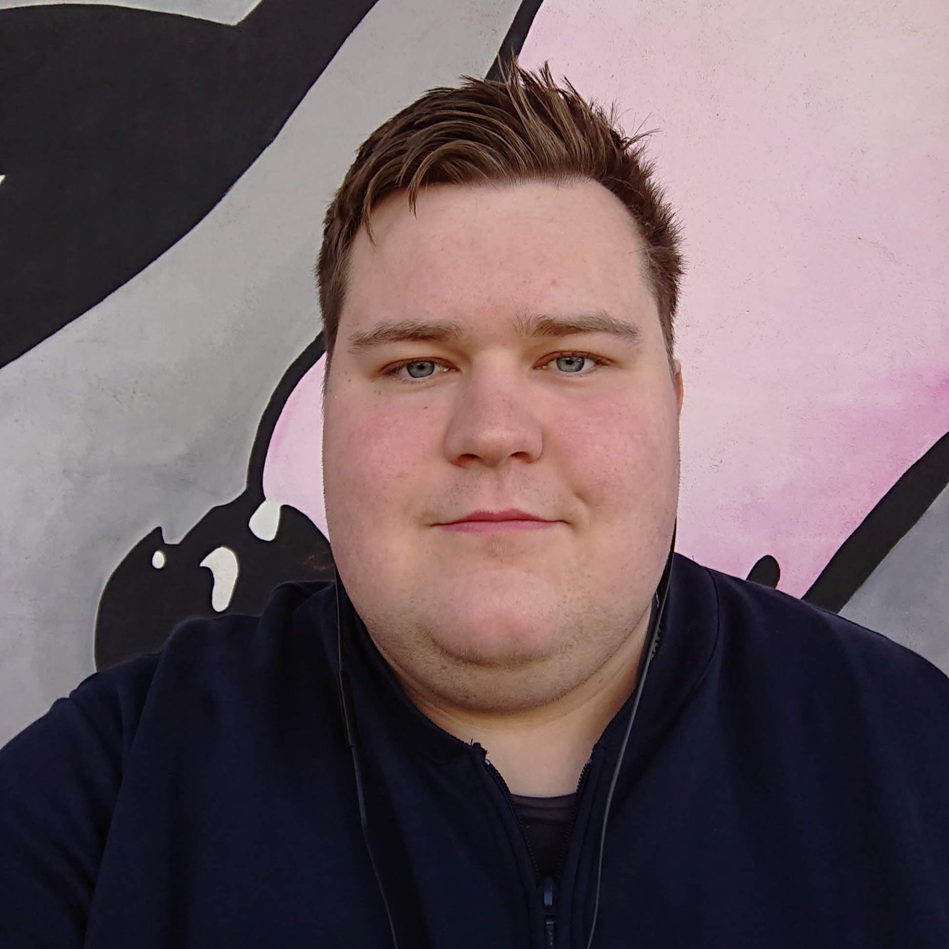 Vegard Løknes (21)