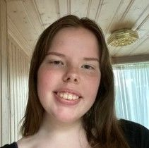 Iris Bjørg Petursdottir (17)