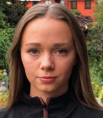 Emma Linnea Larsen (20)