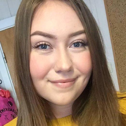 Julianne Cornelia Ofstad (21)