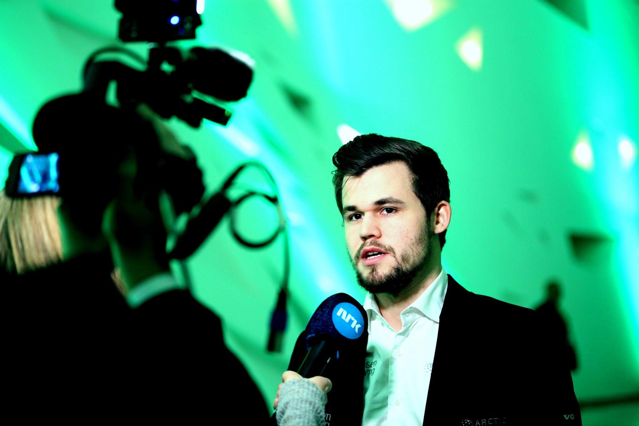 Hva Feiler Magnus Carlsen Ekspert Peker Pa Nrk Intervjuene