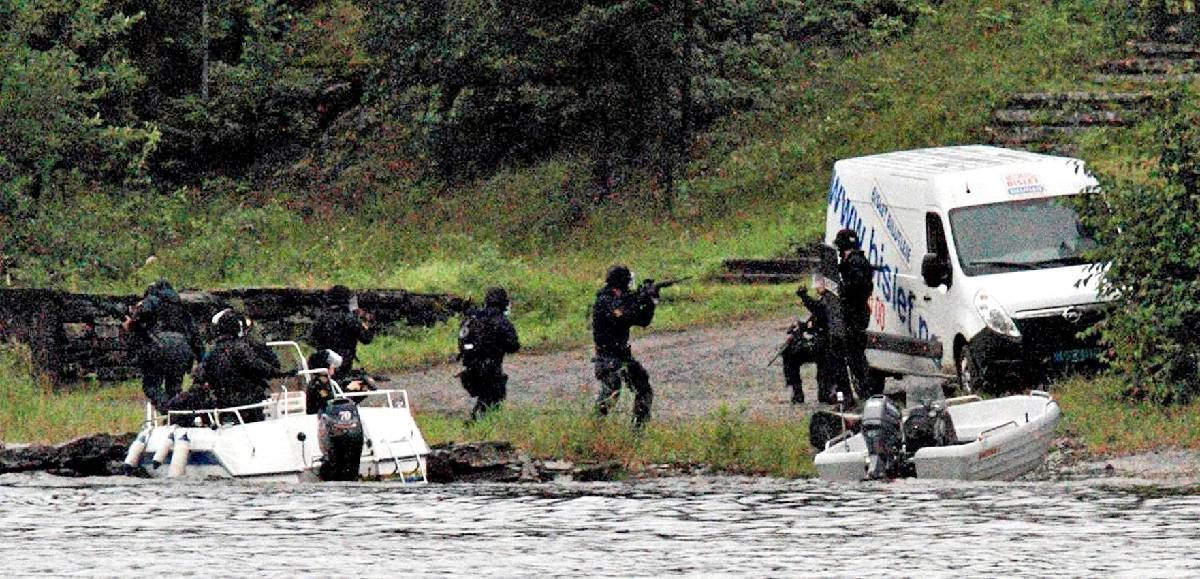 Gransker bekymringsmeldinger om Anders Behring Breiviks ...