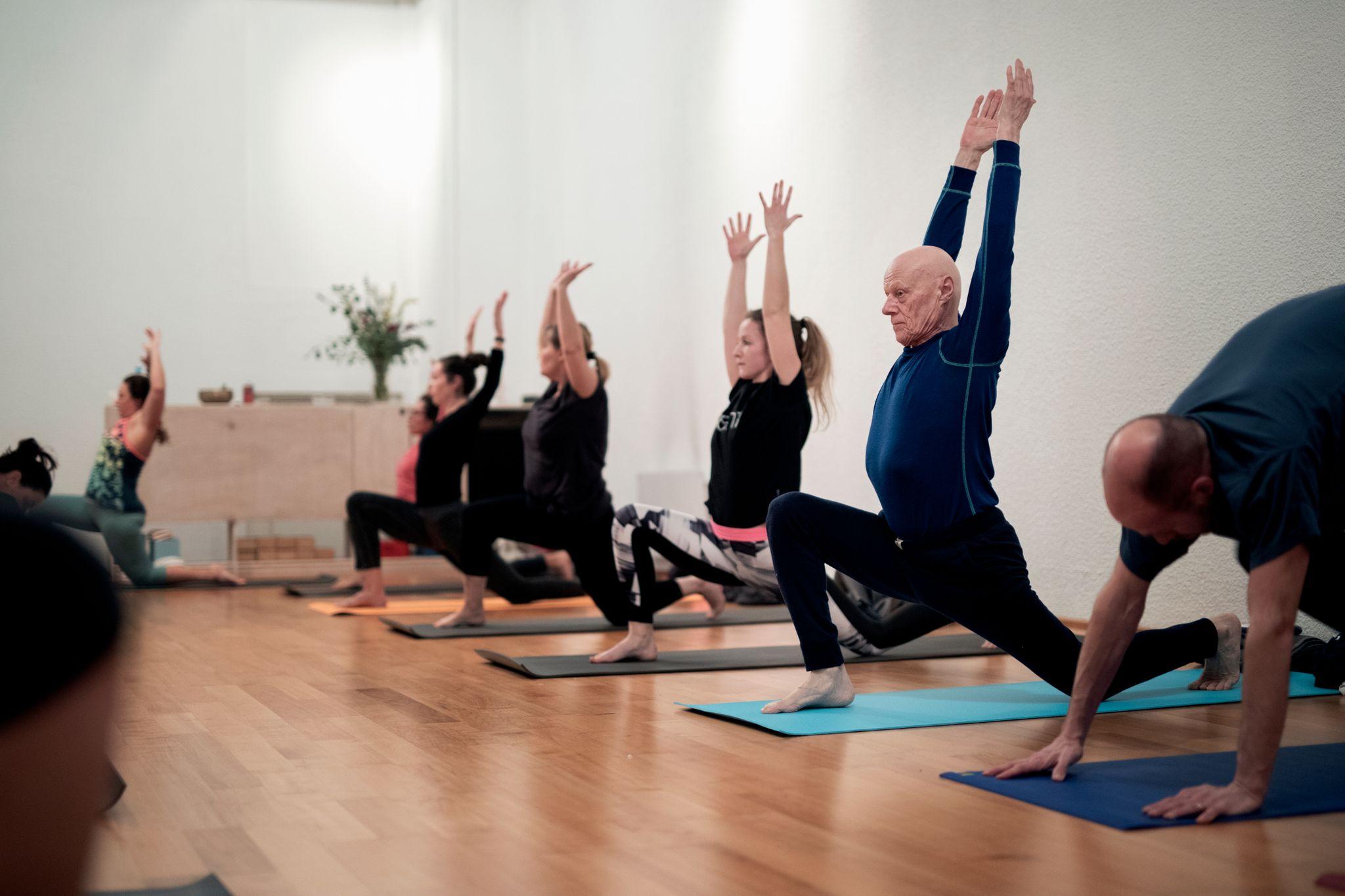 Oslo naken yoga Yoga Teacher